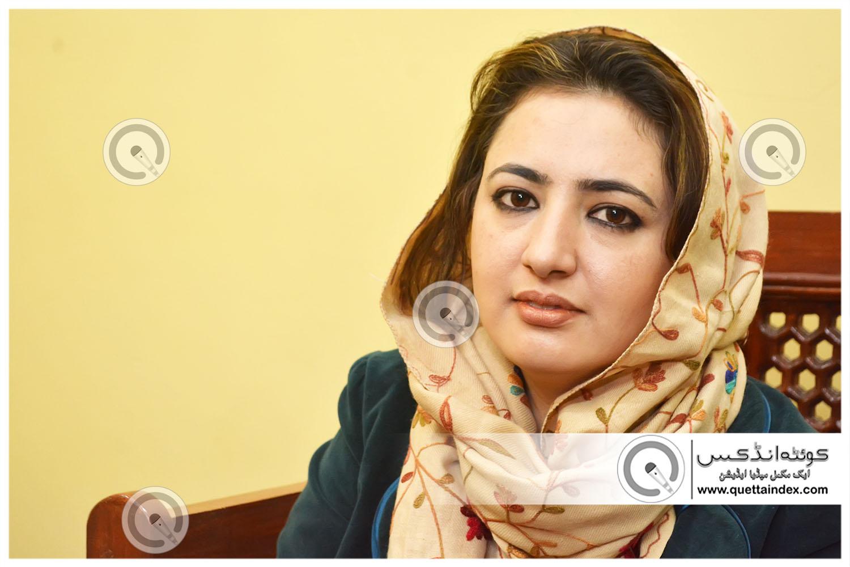 خواتین کا عالمی دن: بلوچستان کی باصلاحیت خاتون اور پہلی سولین فلائٹ سرجن ڈاکٹر مصباح راٹھور سے ملاقات